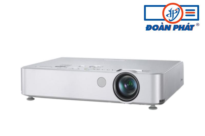 Máy chiếu Panasonic PT-LB51S cũ giá rẻ đa năng nhỏ gọn